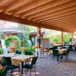 Porch mit sichtbaren Balken im Frühstücksraum mit angrenzendem Ruheraum mit WLAN